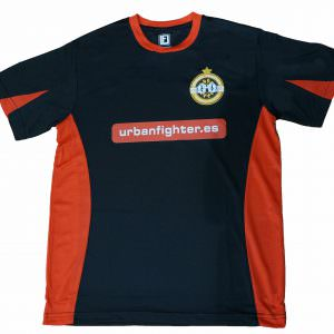 CAMISETA URBAN FIGHTER UNDEFEATED de color negra y roja