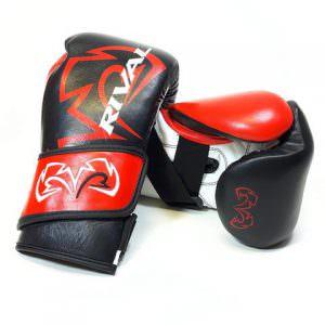 Guante de boxeo Rival rfx guerrero sf-f de color rojo y negro